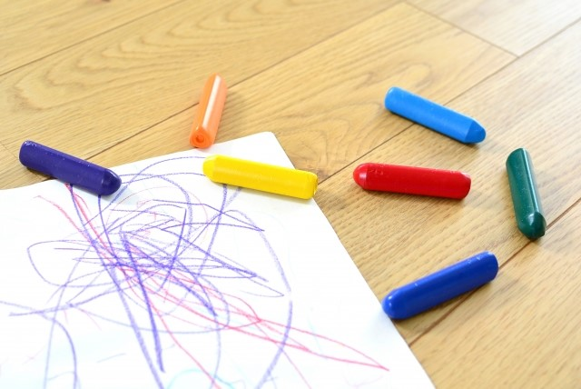 photo of paper and crayons